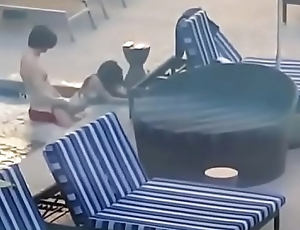 amatuer couple has sex in public pool @ vacation
