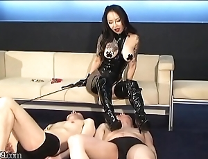 Japanese slaves gets pulled on his nipples by mistress Youko