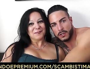 SCAMBISTI MATURI - Shady Italian cougar goes for sex with younger stud