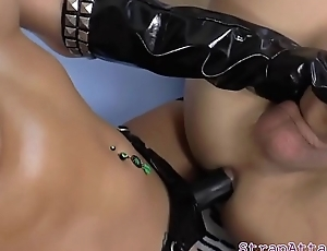 Highheeled prodomme pegging submissive