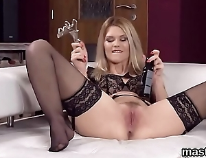 Hot czech girl stretches her narrow vagina to the unusual