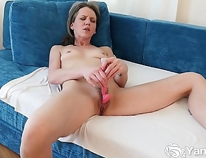 Yanks Micah Attenuate Cums with her Rabbit Vibe