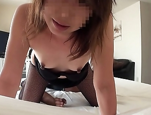 Amateur wife whose husband is on a business trip 06