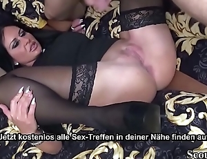 Deutsche reiche  Mutter ruft sich jungen Callboy zum ficken - German MILF Order Young Callboy to Fuck and Cheating Husband