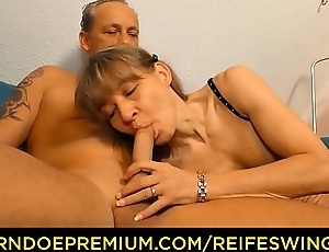 REIFE SWINGER - Old German lady gets pounded hard in steamy MMF threesome