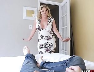 Weird chubby MILF stepmom kinship a stepsons big load of shit