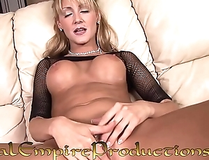 HOT HORNY BLONDE MILF PLAYS WITH HER PUSSY