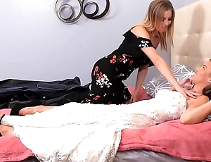 Karter Foxx and Britney Amber fingering and tribbing