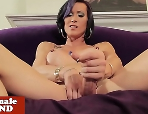 Trans beauty rubbing load of shit solo after teasing